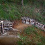 Тропа Листвянка - Большие Коты, Байкал. Каменная стенка. Сделано на Байкальском проекте - 2007.