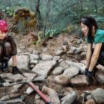 Строим каменную экотропу к водопаду.