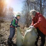 Расчистка русла реки Харлахта, г.Байкальск. Фото: Евгений Ракитянский