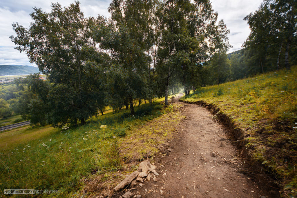 Участок построенной тропы на Чайный путь.