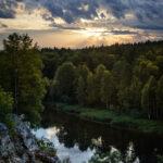 Рассвет на реке Чусовой